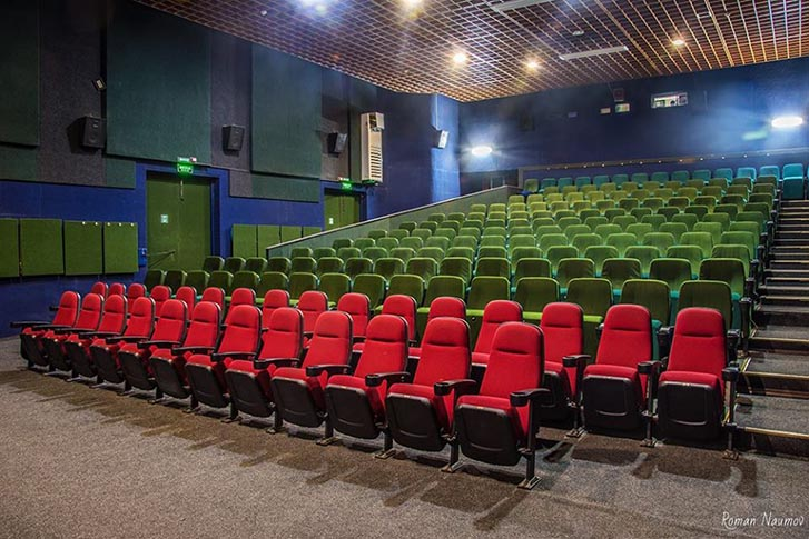 Уряд дозволив відкрити кінотеатри з 2 липня