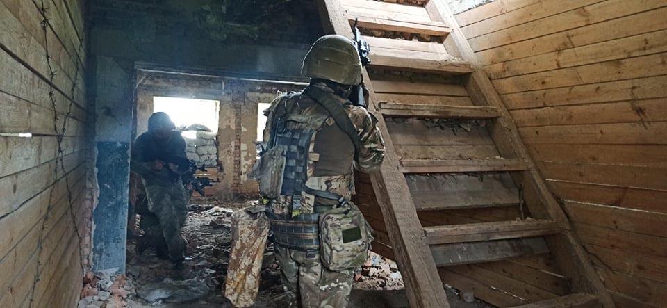 Військовослужбовці 72-ї ОМБр навчалися штурмувати будівлі