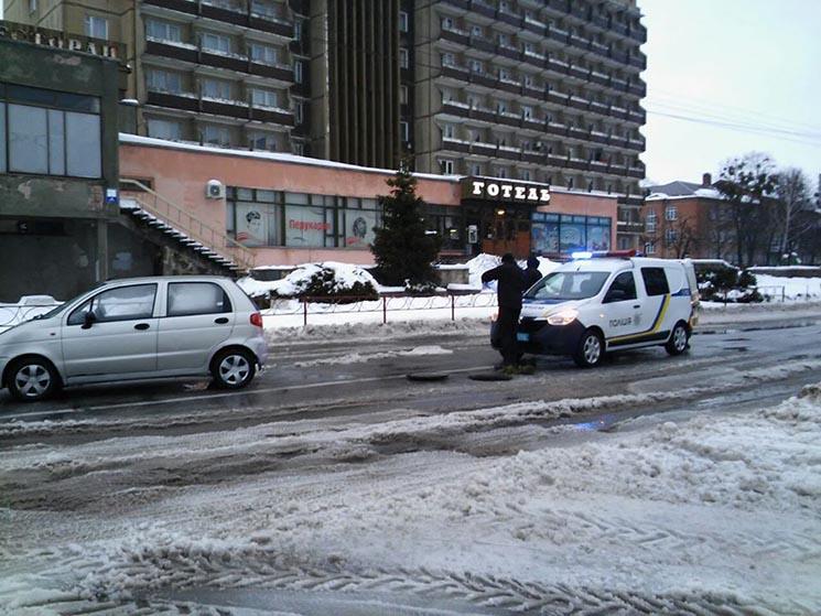 У Білій Церкві водій виграв суд у утримувача дороги