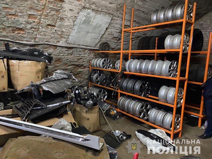 на Київщині затримали банду викрадачів авто