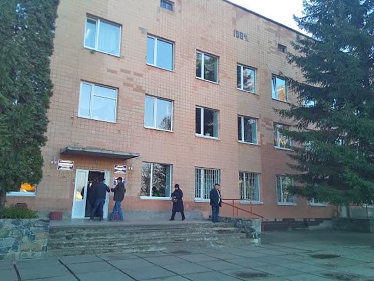 Білоцерківську районну лікарню перепрофілювали під шпиталь для хворих на COVID-19