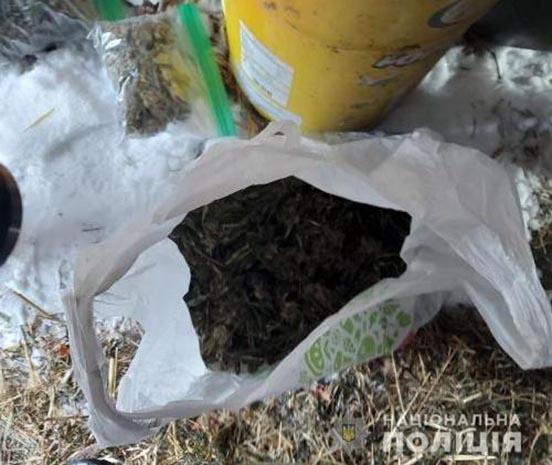 Два кілограми коноплі вилучили на Білоцерківщині у чоловіка, фото-2