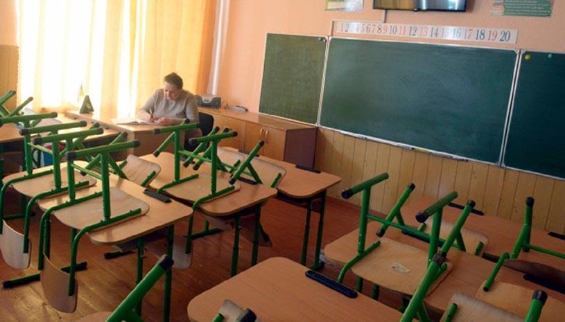 Учнів 4 та 9 класів звільнили від ДПА через COVID